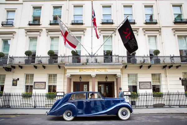 Brown's Hotel London United Kingdom英國倫敦 Sir Rocco's Ambassador (flight ∙ hotel ∙ package ∙ cruise ∙ private tour ∙ business ∙ M.I.C.E ∙ Luxe Travel ∙ Luxury travel  ∙ Luxury holiday  ∙ Luxe Tour  ∙ 特色尊貴包團 ∙  商務旅遊 ∙  自由行套票 ∙滑雪  ∙ 溫泉 ∙ 品味假期 ∙ 品味遊)