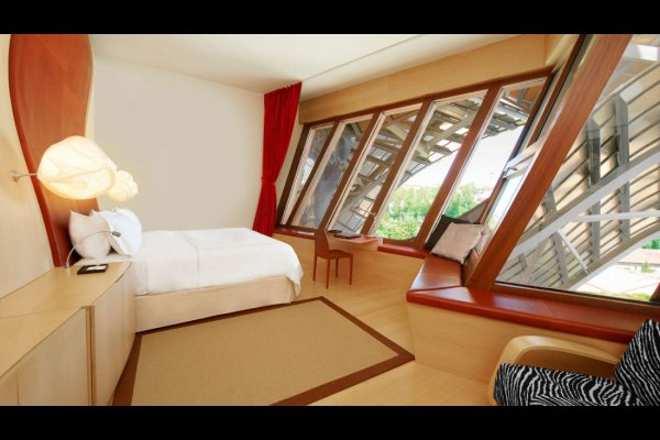 Hotel Marques de Riscal Elciego Northern Spain 西班牙北部 (flight ∙ hotel ∙ package ∙ cruise ∙ private tour ∙ business ∙ M.I.C.E ∙ Luxe Travel ∙ Luxury travel  ∙ Luxury holiday  ∙ Luxe Tour  ∙ 特色尊貴包團 ∙  商務旅遊 ∙  自由行套票 ∙滑雪  ∙ 溫泉 ∙ 品味假期 ∙ 品味遊)