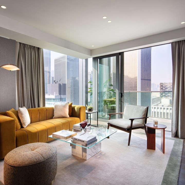 New in town! | The Hari Hong Kong Enjoy 4-course set dinner and exclusive welcome amenities | The Hari Stay & Dine Staycation Offer | Luxe Travel
