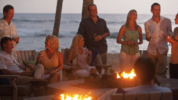 Aloha! Celebrity Chefs & Wine Experts Gather in Hawaii | Luxe Travel