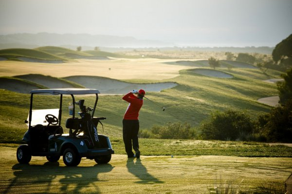 Australian golf courses feature in top 100 list