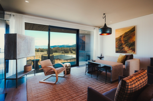 Now Is The Best Season To Experience Luxury Lodge With No. 1 Golf Course In New Zealand